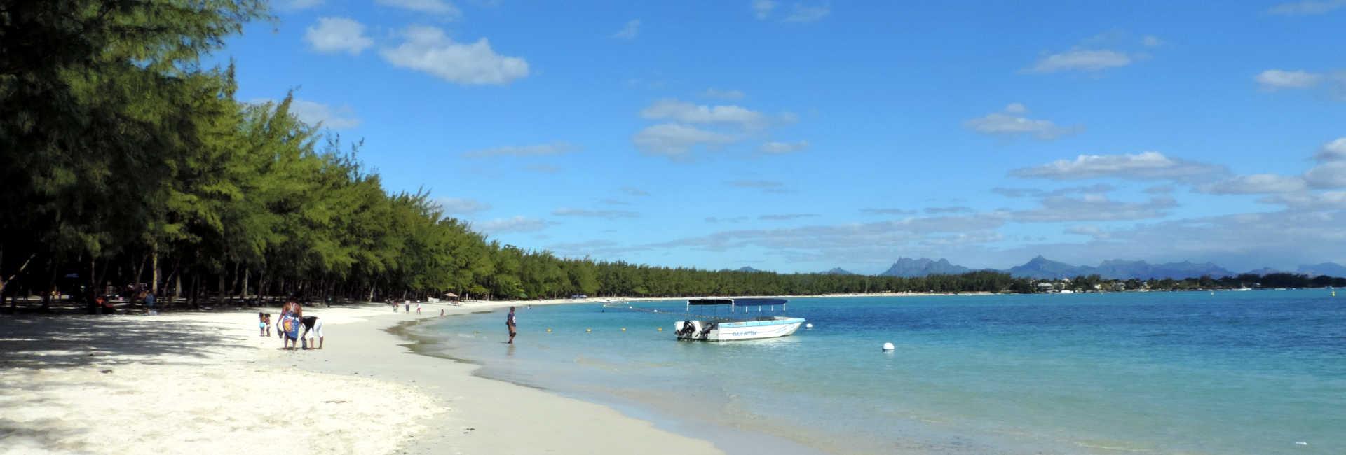 Der Strand von Mont Choisy auf Mauritius